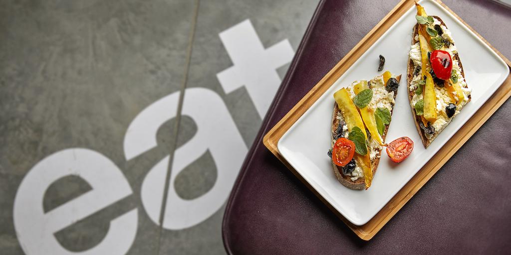 Malika Hamza, styliste culinaire, stylisme culinaire, Innovative Cuisine, communication culinairetartines au légumes grillés